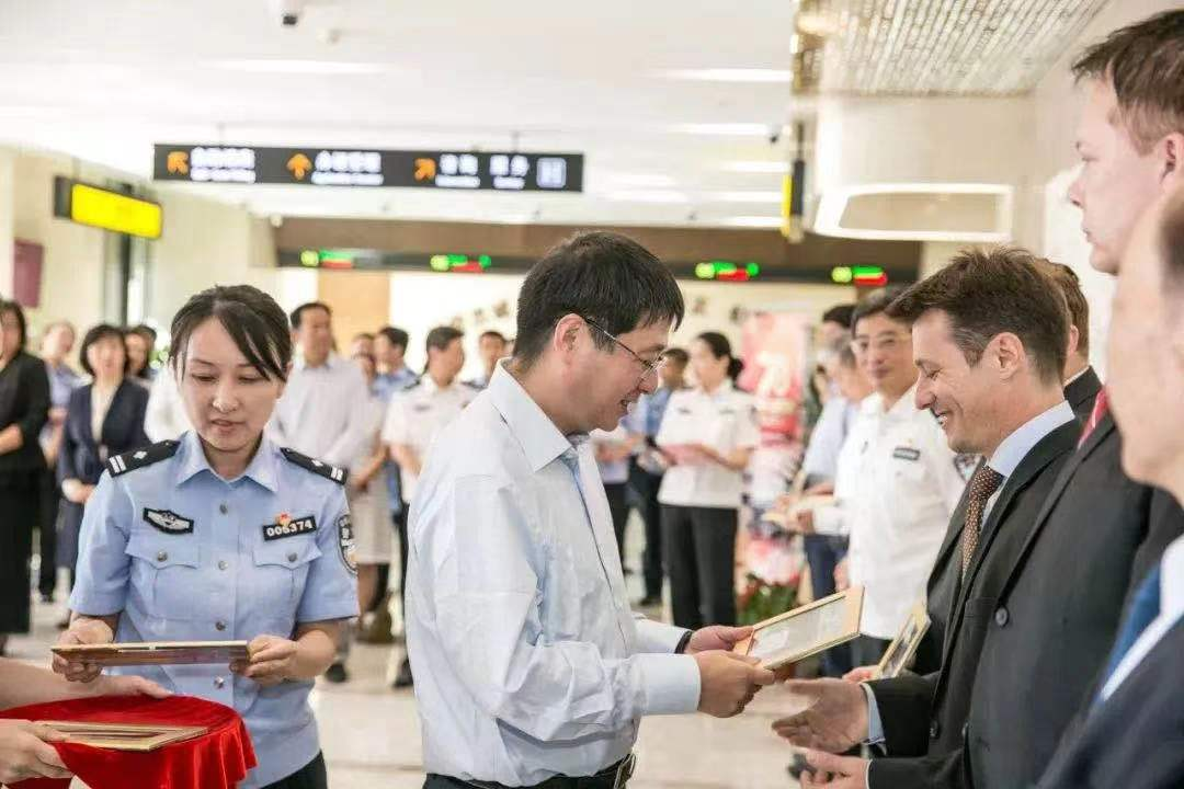 Apply For Permanent Residence After 6 Months Of Working In China